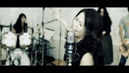 大黒摩季「LOVE MUSCLE」MUSIC VIDEO