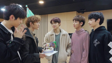 [T:TIME] BEOMGYU's Surprise Birthday Party -TXT