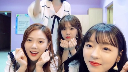 OH MY GIRL - Real World (1080p)