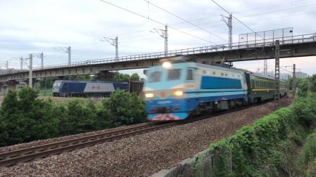 SS8牵引的Z248次通过沪昆线沪杭段K180KM处临平临丁路旁 SS80034
