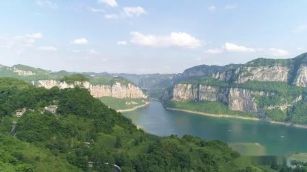 毕节市旅游集团织金洞公司庆建党98周年