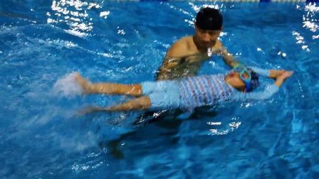 6宝宝的游泳课
