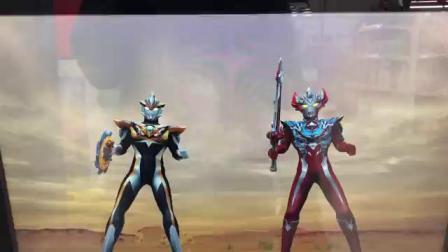 日本玩傢介紹超人力霸王融合戰鬥之超人力霸王泰賈 三重史托流姆登場參戰!