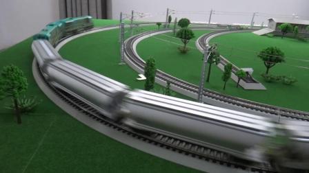 ND5内燃机车牵引5节L18粮食车在外环铁路运行