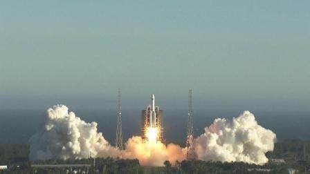 新一代载人试验飞船由长征五号乙运载火箭自文昌成功发射