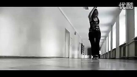 欧美女孩曳步舞