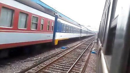 7102次列车驶出南京站开外南京西站