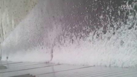 [手机拍客]新疆突降冰雹2012.8.11