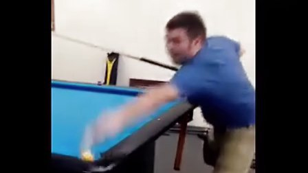 迈克·德夏因花式技巧球表演