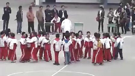 小学二年级体育优质示范课《畅游欢乐岛》张文川小学体育优质课视频