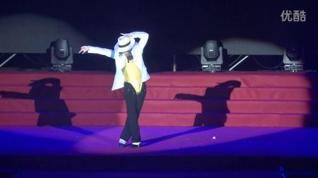 实拍迈克尔杰克逊在中国的身影敏敏杰克逊演艺