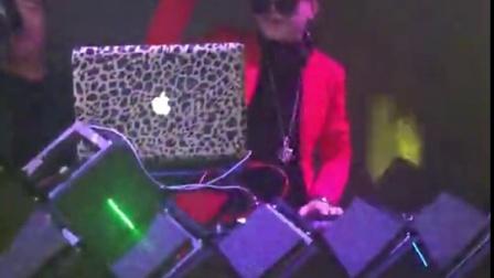 龙翔DJ学校 龙翔DJ打碟培训学校 龙翔DJ冰仔-汕头F1酒吧工资现场