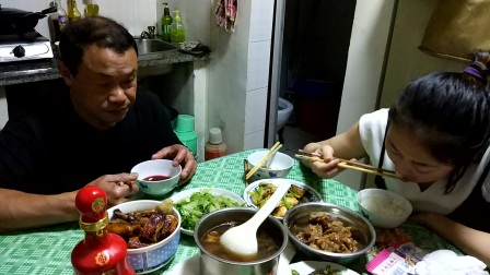 小猫会CRI英语环球直播吃饭视频韩国吃播短嘴巴太阳