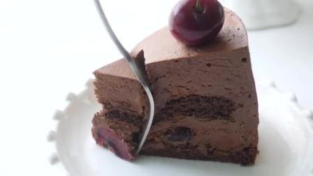 【Amy时尚世界】樱桃巧克力蛋糕