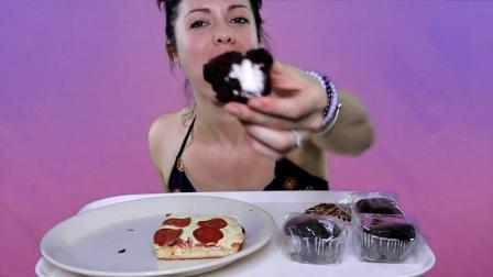 [ Divine Munchies ] 意大利辣香肠深盘披萨和巧克力奶油夹心蛋糕