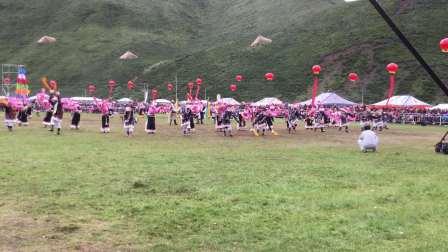 中国甘南碌曲第六届锅庄舞大赛:现场自拍视频0894