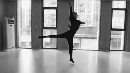 现代舞:说散就散