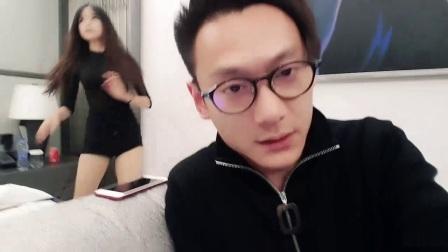 洋气黄(一万八)_莉爷酒店影子舞2017-12-18