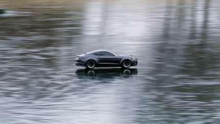 遥控车挑战冰面 Traxxas Ford GT