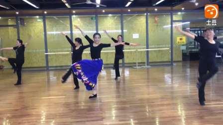 舞蹈《格桑梅朵》