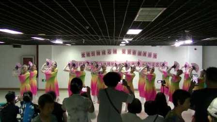 草桥社区庆祝七一文艺演出 旗袍美人