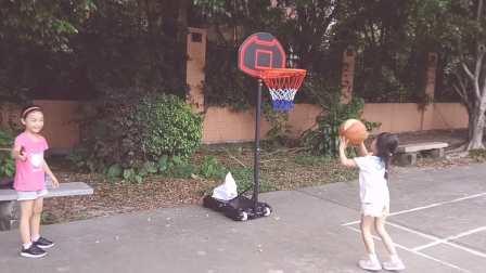 🐼包猪与同学仔球场锻炼(便携篮球架出动)
