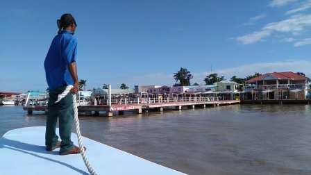 【6岁半】2-13哈哈坐摆渡船抵达加勒比海小国伯利兹VID_084756