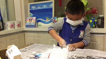 【快7岁】3-10哈哈跟爷爷一起玩考古发掘玩具兵马