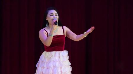 音乐人游美灵在美国纽约印度宫剧场2018年中秋文艺晚会演唱:《海坛古城》