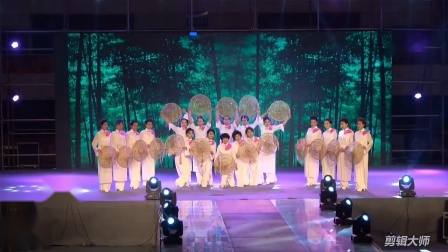 """2018年朝阳市""""心诺杯""""旗袍秀大赛团体第一名得主,建平县正大装饰公司古韵模特队表演的《传奇》。"""