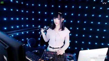 靓妹DJ思思现场美女打碟串烧DJ2018劲爆中文