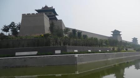 大同西城墙带状公园一角。