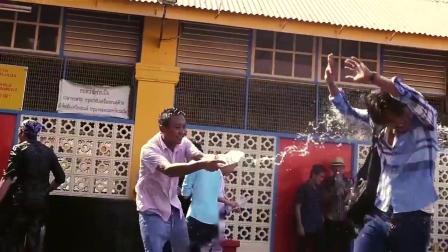 槟城欢庆不断 :泼水节