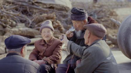"""剪纸奶奶郭佩珍的纸上""""清明上河图"""",一位老人的纸上人间世"""