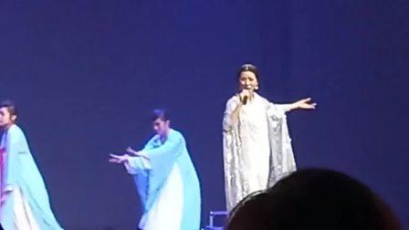 马来西亚著名歌唱家伟大女歌佛蔡可荔现场演唱佛曲《妙法》南无观世音菩萨