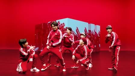 "BOY STORY ""Too Busy (Feat. 王嘉尔)"" 官方版MV"
