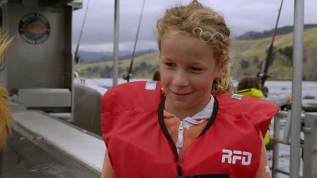 今天跟着摩尔一起去海边钓鱼,需要准备哪些东西?