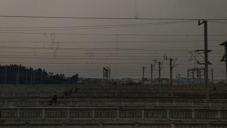 D9831(广州—佛山西)本务广铁广州段,搭载CRH2A统型车底,佛山西站5站台进站