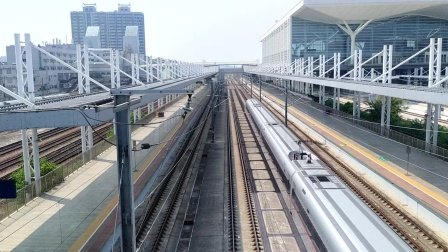 2020年9月1日,G6004次(汕头站—长沙南站)本务中国铁路广州局集团有限公司广州动车段长沙动车运用所CR400AF-A-2099广州北站通过