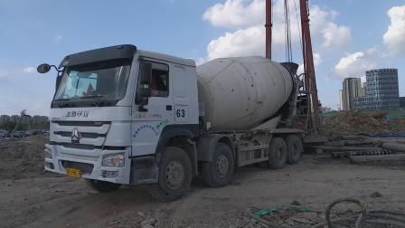 豪沃搅拌车(16方罐车 卸混凝土 灌桩)