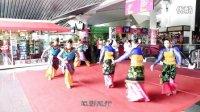 马来西亚水桶腰舞者吉隆坡塔下狂舞