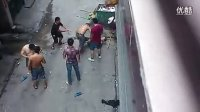 两个河南男人在广州街头打架实战,太猛了