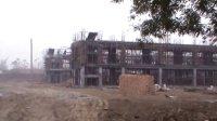 建设中的安仁镇中学教学楼