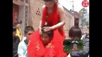 陕西农村结婚风俗-艳丽质感的新娘真的扛不住了,闹新娘闹洞房