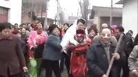陕西农村结婚风俗-老公公背新娘环节太逗了,老乡们这招谁出的呢