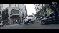 战斗民族车祸视频合集集锦20151031,行车记录仪拍下最新违章驾驶发生的交通事故瞬间!