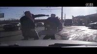路怒路霸战斗民族打架斗殴视频合集集锦20151105,俄罗斯人车祸之后做的冲动事!
