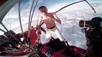 没有降落伞从高空热气球上跳下去
