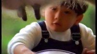 【香港经典广告】雀巢即溶奶粉(挤牛奶篇)
