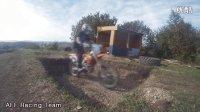 【摩托车之家】摩友自制的越野场地:骑上本田CRF 250试试车